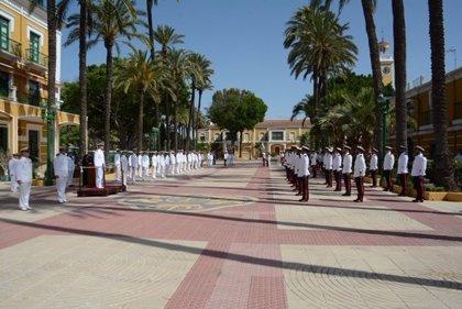 La Armada homenajea a los miembros de las FAS fallecidos en acto de servicio y a las víctimas del COVID