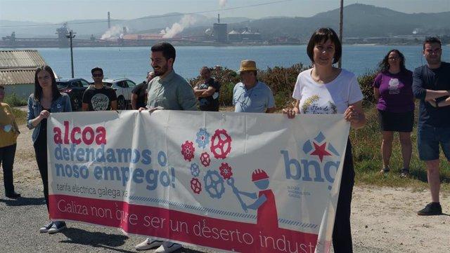 La cabeza de lista del BNG por Lugo, Olalla Rodil, y la portavoz nacional, Ana Pontón, en Cervo (Lugo)