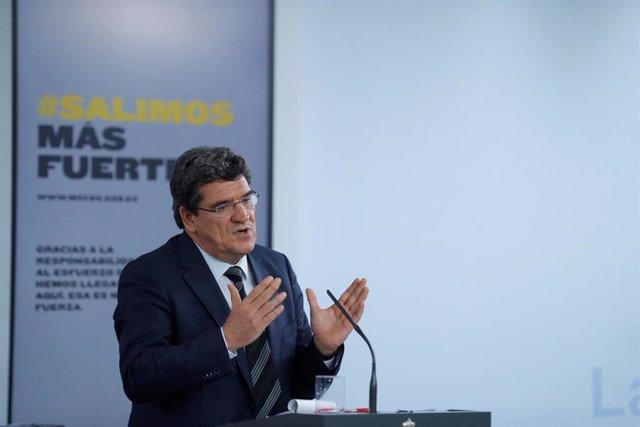 El ministro de Inclusión, Seguridad Social y Migraciones, José Luis Escrivá, en una rueda de prensa tras el Consejo de Ministros celebrado este viernes, que ha aprobado el Ingreso Mínimo Vital, en Madrid (España), a 29 de mayo de 2020.