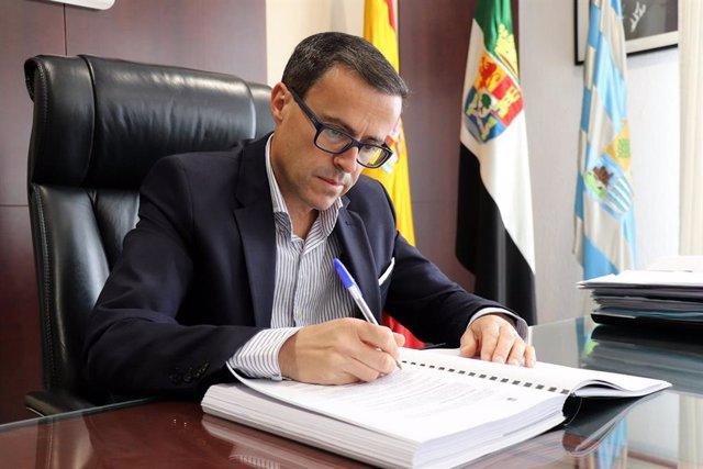El presidente de la Diputación de Badajoz, Miguel Ángel Gallardo, en una imagen de archivo.