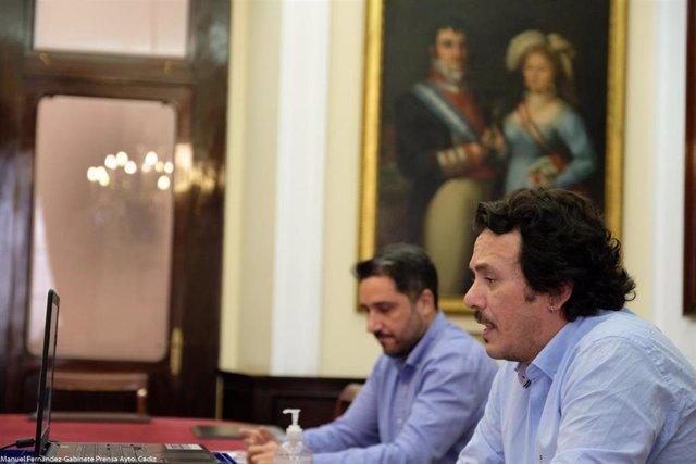 El alcalde de Cádiz, José María González, en la presentación de las medidas de apoyo al comercio local