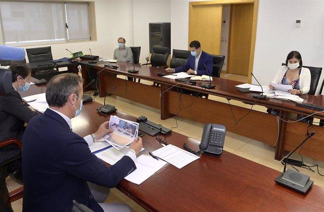 La alcaldesa de Santander, Gema Igual, tras participar en la segunda reinión con la Federación de Municipios de Cantabria y el Gobierno regional sobre el uso de las playas