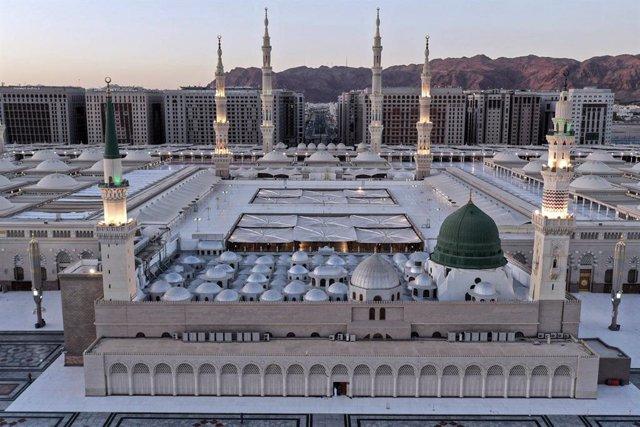 Coronavirus.- Arabia Saudí concluye las labores de desinfección de más de 90.000