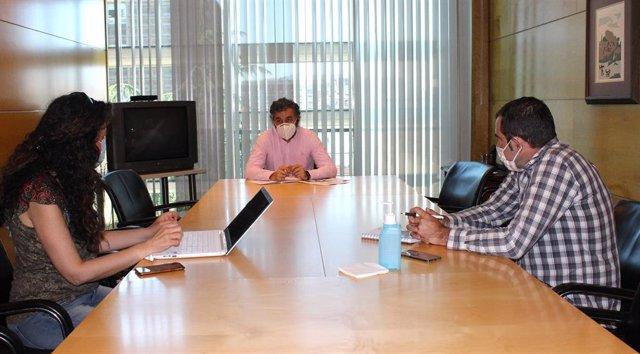 Reunión del consejero de Desarrollo Rural del Principado con responsables de la IGP Ternera Asturiana