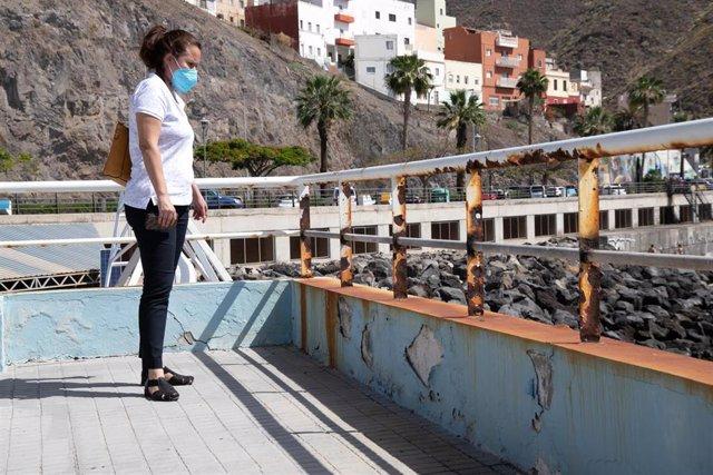 La consejera de Deportes del Cabildo de Tenerife, Concepción Rivero, en una visita al Cidemat