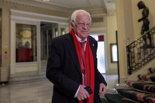 El padre Ángel García a su llegada al desayuno informativo organizado por Nueva Economía Forum en el Hotel Westin Palace, Madrid (España), a 9 de marzo de 2020.