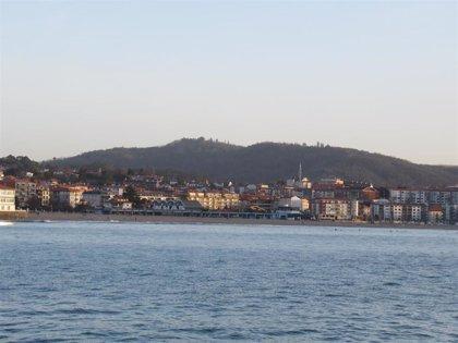 Plentzia (Bizkaia) también prohíbe tomar el sol de manera estática y continuada en la playa