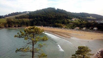 Lekeitio (Bizkaia) solo permite el baño recreativo, paseos, deportes acuáticos y deporte individual en la playa