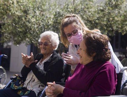 Cvirus.- Vitalia Home crea un protocolo de seguridad para recuperar visitas de familiares en sus residencias de mayores