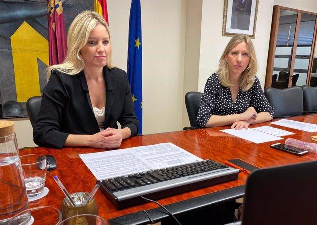 La consejera de Empresa, Industria y Portavocía mantiene un encuentro con los ediles de Comercio de los municipios de la Región