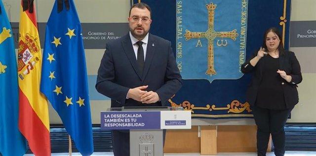 El presidente asturiano Adrián Barbón comparece en rueda de prensa.