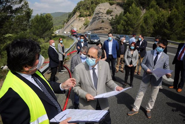 El presidente de la Generalitat, Quim Torra, visita obras de instalación de fibra óptica en el Solsonès (Lleida).