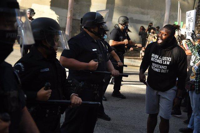 AMP.- EEUU.- Cientos de detenidos por los disturbios por la muerte de George Flo