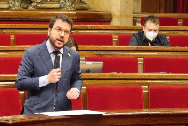 El vicepresidente del Govern, Pere Aragonès, interviene en el pleno del Parlament del 21 de mayo.