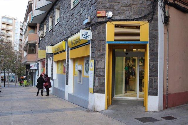 Oficina de Correos en la capital aragonesa.