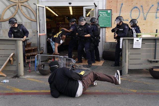 Protestes en Els Ángeles contra la mort de George Floyd