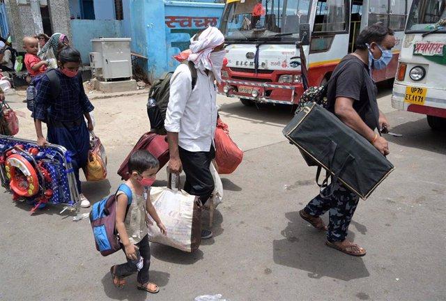 Migrantes protegidos contra el coronavirus en India