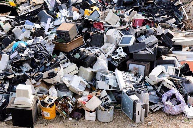 Recogida y reciclaje de residuos de aparatos eléctricos y electrónicos
