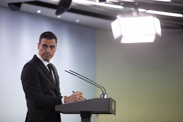 El presidente del Gobierno, Pedro Sánchez, durante su comparecencia en rueda de prensa tras la videoconferencia con presidentes de comunidades y ciudades autónomas en La Moncloa, en Madrid (España) a 31 de mayo de 2020.
