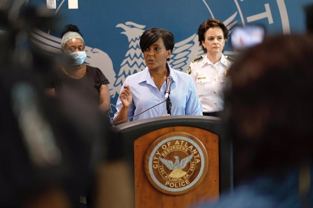 La alcaldesa de Atlanta, Keisha Lance Bottoms.