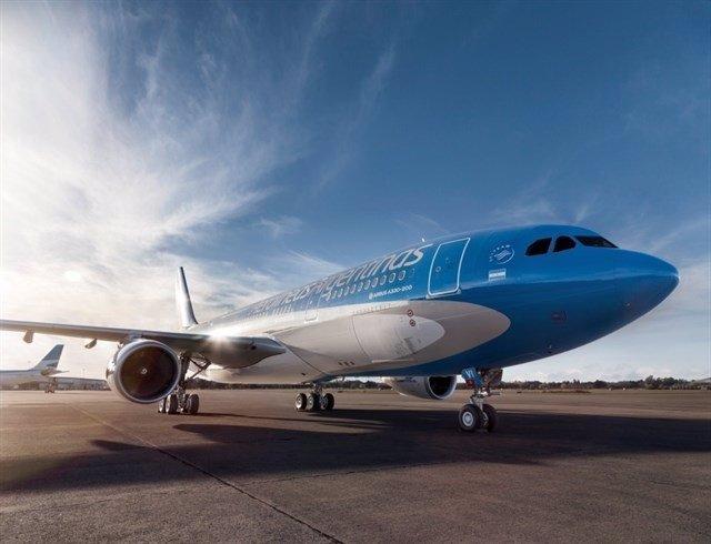 Coronavirus.- Aerolíneas Argentinas prescindirá durante dos meses de 7.500 traba