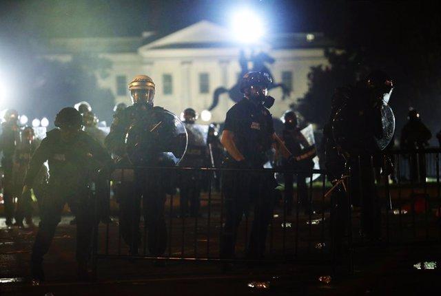 EEUU.- Trump se refugió el viernes en el búnker de la Casa Blanca por las protes