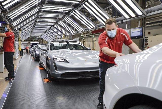 Imagen de una planta de producción de Porsche.