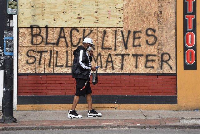 EEUU.- Miles de personas se suman en Nueva Zelanda a las protestas por la muerte