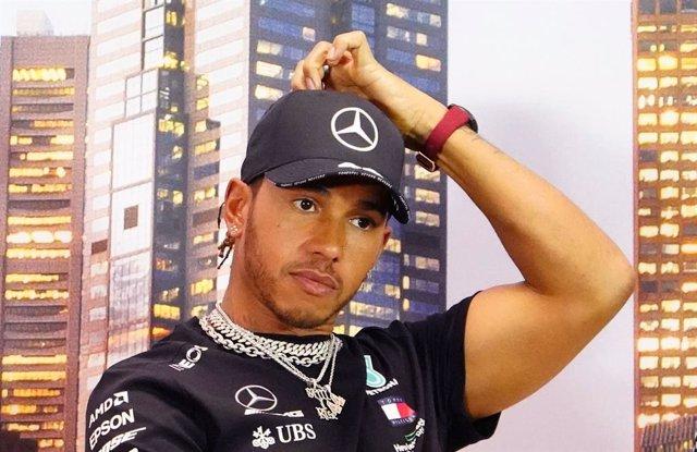 """Fórmula 1.- Hamilton critica a sus compañeros de la F-1 por permanecer """"en silen"""