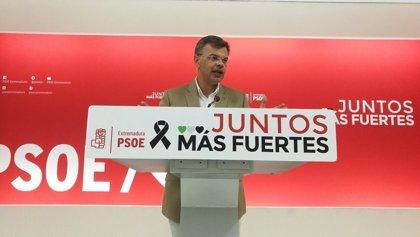 """El PSOE extremeño siente """"vergüenza"""" por los """"macarras"""" en el Congreso y pide a la derecha que trabaje por lo """"común"""""""