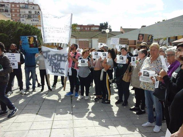 Concentración en San Juan de Aznalfarache por la vecina asesinada en febrero