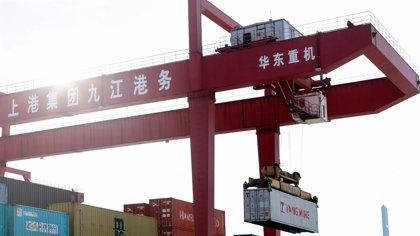 China suspende algunas importaciones agrícolas desde EEUU