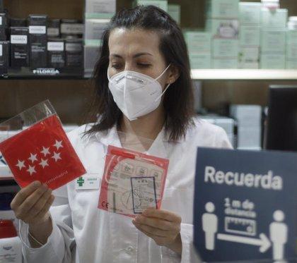 La Comunidad de Madrid empezará el miércoles con el segundo reparto de mascarillas en las farmacias