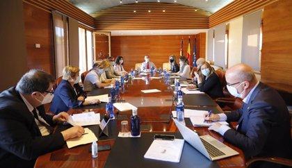 Franco informará este jueves en el pleno de las Cortes de medidas para autónomos y pymes