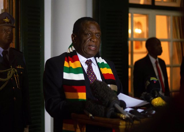 EEUU.- Zimbabue convoca al embajador de EEUU tras vincular un asesor al país con