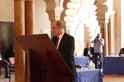 """Lambán confía en dar """"seguridad"""" y atraer inversiones con la Estrategia para la Recuperación firmada hoy"""