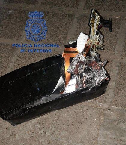 Dos jóvenes viajan de Mallorca a Madrid con un kilo de cocaína en los genitales y en un reloj y un altavoz