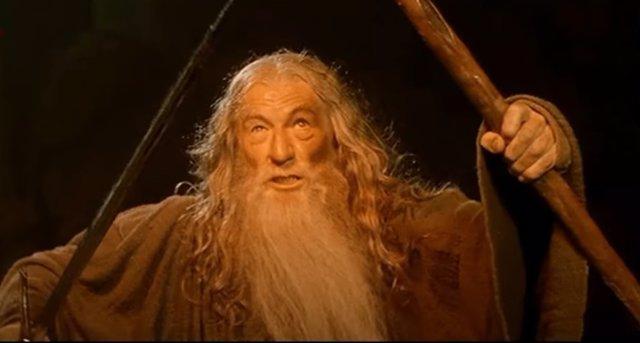Sir Ian McKellen es Gandalf en El Señor de los Anillos