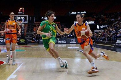 Queralt Casas, elegida mejor jugadora española de la Liga Femenina Endesa