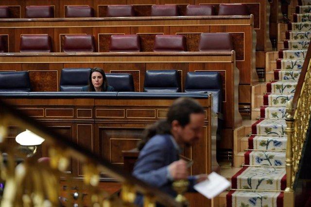 El vicepresidente segundo del Gobierno, Pablo Iglesias, y la ministra de Igualdad, Irene Montero, en el Congreso
