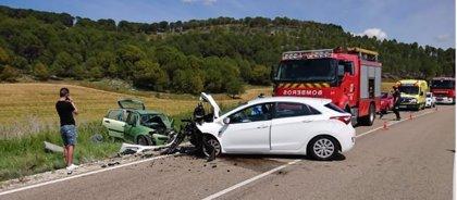 Tres heridos, uno evacuado en helicóptero, en una colisión entre dos turismos en Cogeces (Valladolid)