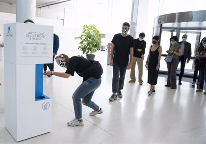 Más de 2.000 personas visitan los CaixaForum en su primer día de reapertura