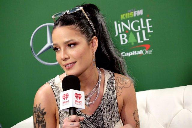 102.7 KIIS FM Jingle Ball
