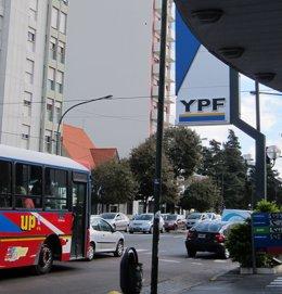 Argentina.- YPF niega que tenga previsto suspender o despedir a sus empleados