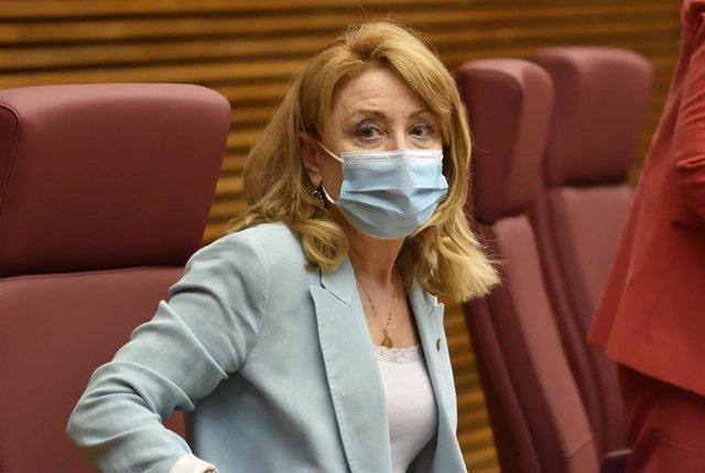 Mercedes Hurtado en su comparecencia en Les Corts