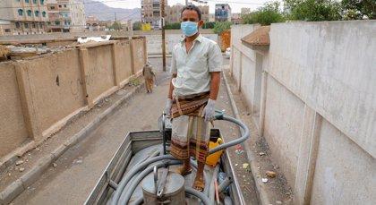 Unos 5,5 millones de yemeníes podrían quedarse sin comida ni agua potable por falta de fondos