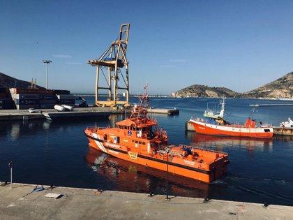 Salvamento Marítimo, Cruz Roja y Guardia Civil participan en la búsqueda del buceador desaparecido en aguas de Cartagena