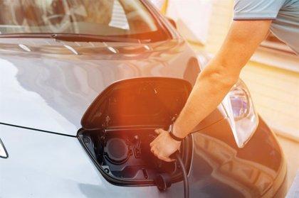 Los vehículos electrificados suponen el 17% del mercado europeo en abril, pese a caer sus ventas un 46%