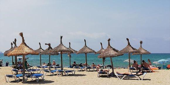 6. El 65% de los españoles considera la sanidad fundamental para elegir destino turístico