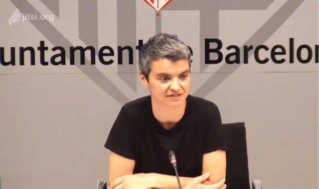 La regidor d'Habitatge de Barcelona, Lucía Martín, explica que l'Ajuntament reactivarà la construcció de 2.400 pisos públics aquest 2020